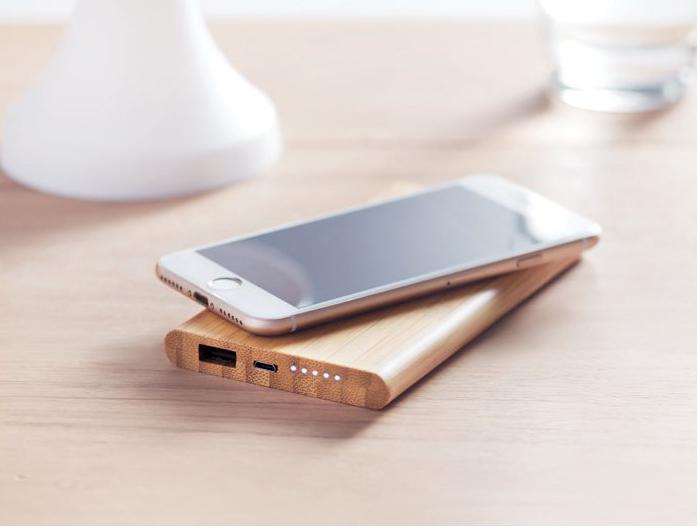 chargeur-en-bois-pour-smartphone